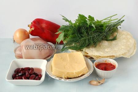Для приготовления буррито нам понадобится  тортилья , куриное филе, твёрдый сыр, консервированная фасоль, лук, сладкий перец, зелень, чеснок, томатный соус.