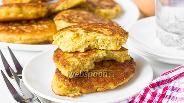 Фото рецепта Кукурузные оладьи с сыром