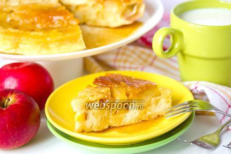 Пирог с карамелью и яблоками в микроволновке