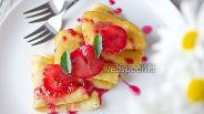 Фото рецепта Сливочные блины с карамелизированными сливами