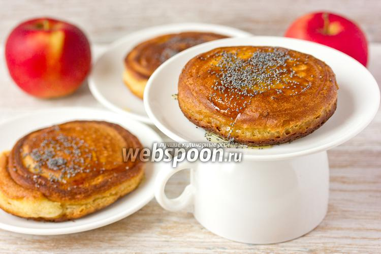 Фото Медовые оладьи с яблочной «сердцевиной»