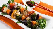 Фото рецепта Пёстрый шашлычок из овощей с тофу