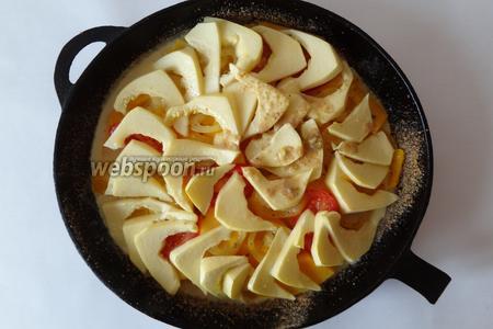 Заливаем яично-молочной смесью чуть поджаренные овощи, и опять запекаем в духовке до полной готовности овощей минут 15-20.