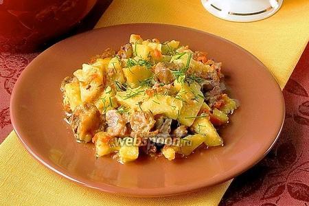 Картофель, тушёный с уткой