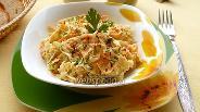 Фото рецепта Салат из редьки, моркови и сыра