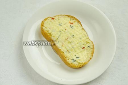 Масло использовать к бутербродам, тостам.