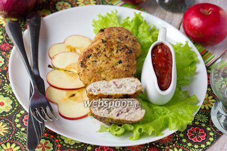 Куриные котлеты с яблоками