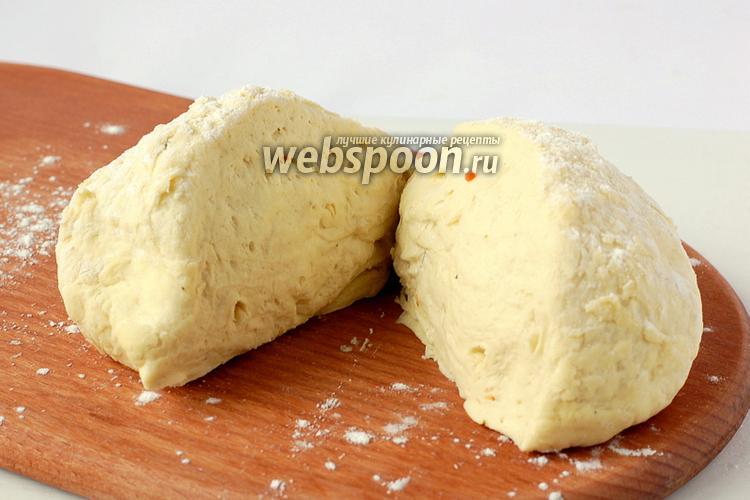 Фото Тесто с манной крупой на бульоне для пиццы