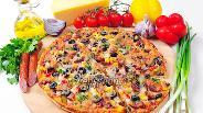 Фото рецепта Пицца с курицей и охотничьими колбасками