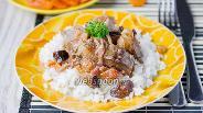 Фото рецепта Свинина с черносливом и курагой