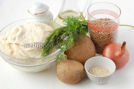 Для приготовления постного пирога с картофелем и гречкой нам понадобится гречка, картофель,  постное картофельно-дрожжевое тесто , лук, подсолнечное масло, соль, кунжут.
