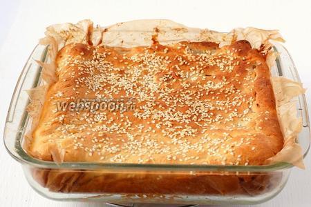 Выпекать пирог 35-40 минут при 190ºC.