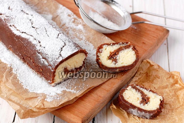 Фото Рулет из печенья и кокосовой стружки