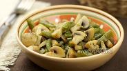 Фото рецепта Тушёная стручковая фасоль с грибами