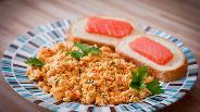 Фото рецепта Болтунья с помидорами
