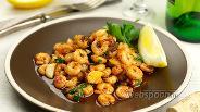 Фото рецепта Креветки жареные с чесноком