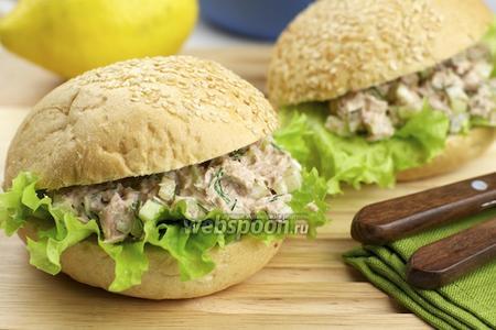 Бутерброды с тунцом и сельдереем
