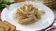 Фото рецепта Кальмары со сметаной и луком