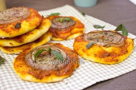 Мини-пицца с луком