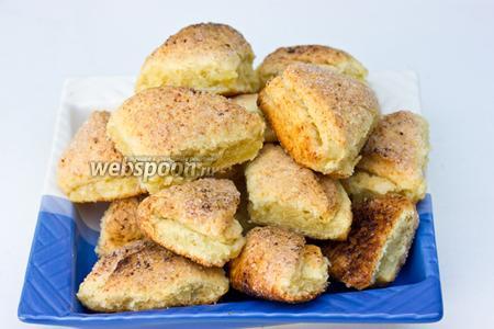 Готовому печенью дать остыть и подавать к чаю или молоку.