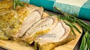 Фото рецепта Запечённая свинина в яблоках и розмарине