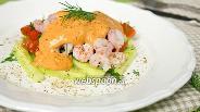 Фото рецепта Салат с креветками и томатным соусом