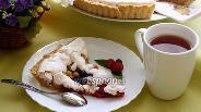 Фото рецепта Песочный пирог из свежей ягоды с безе