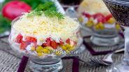 Фото рецепта Слоёный порционный салат «Восторг»