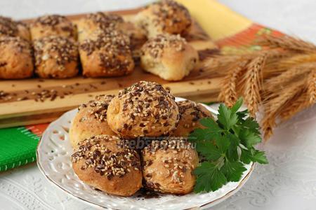 Ароматные творожные булочки с зеленью