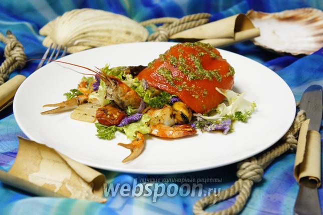 Фото Тёплый салат с морепродуктами «Морской отшельник»
