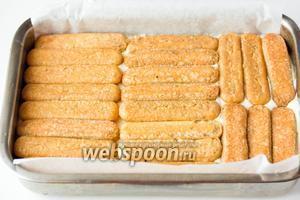 Также делаем второй слой из печенья.