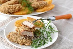 Куриная грудка в орехово-хлебной панировке