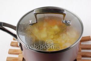 Грудку с овощами варить до готовности.