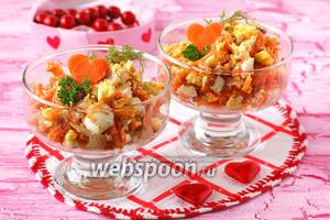 Салат «Зимний» из варёной моркови лука и орехов