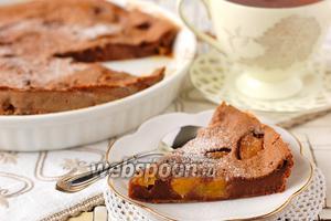 Шоколадное клафути с персиками