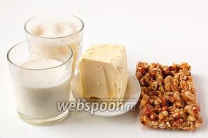 Для приготовления крема нам понадобится сахар, сливки, масло сливочное и арахисовый грильяж.