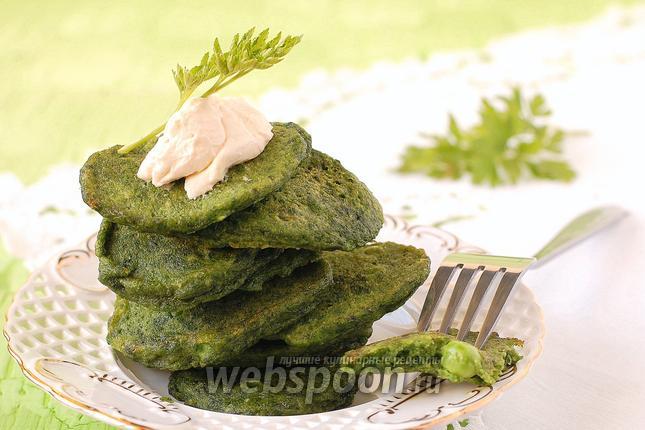 Фото Оладьи со шпинатом и зелёным горошком