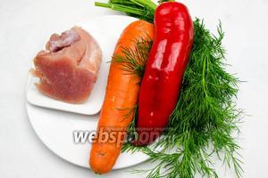 Чтобы приготовить мини-котлетки, нужно взять филе индюшатины, небольшую морквь, сладкий перец, маленькую луковицу, несколько веточек свежего укропа, 1 ст.л. оливкового масла, соль.