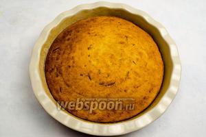 Пирог выпекать 40-50 минут при температуре 180°С.