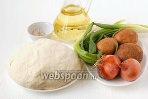 Для приготовления постных картофельных лепёшек нам понадобится  заварное дрожжевое безопарное тесто , лук репчатый, лук зелёный, чеснок, картофель, подсолнечное масло, соль, перец.