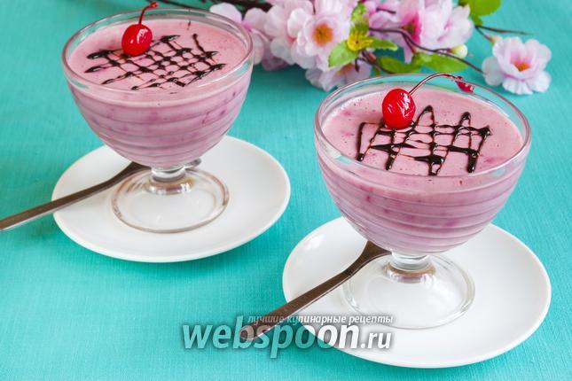 Фото Сливочный десерт с вишней