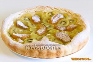 Готовый пирог остудите и достаньте из формы. Сверху посыпьте сахарной пудры.