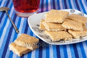 Кунжутное печенье на сметане