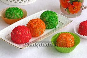 Вафельные шарики в кокосовой стружке