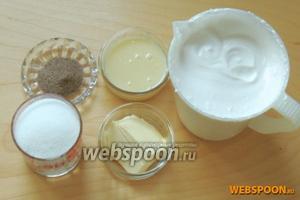 Теперь приступим к самому зефирному слою, возьмём подготовленный зефир, масло сливочное (50 г), сгущённое молоко (100 г), ванильный сахар (10 г), сахар (100 г).