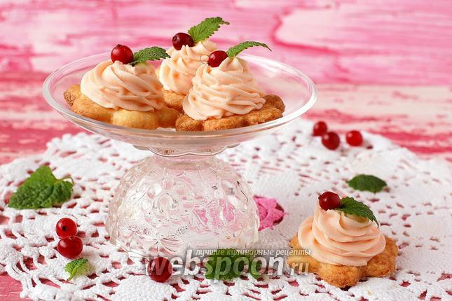 Фото Песочное пирожное с кремом