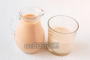 Для приготовления домашней ряженки в мультиварке нам понадобится  топлёное молоко , приготовленное в мультиварке и закваска в виде готовой живой ряженки (биоряженка) из магазина.