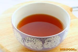 Добавляем в бульон соус терияки по вкусу (2 ст. л.), его можно заменить или дополнить классическим соевым соусом.