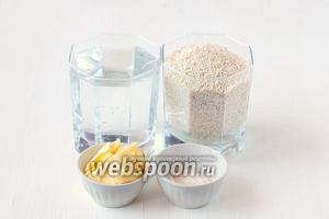 Для приготовления ячневой каши в мультиварке нам понадобится ячневая крупа, вода, соль, сливочное масло.