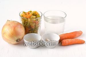 Для приготовления макарон в мультиварке нам понадобятся макароны, соль, вода, подсолнечное масло, лук, морковь.